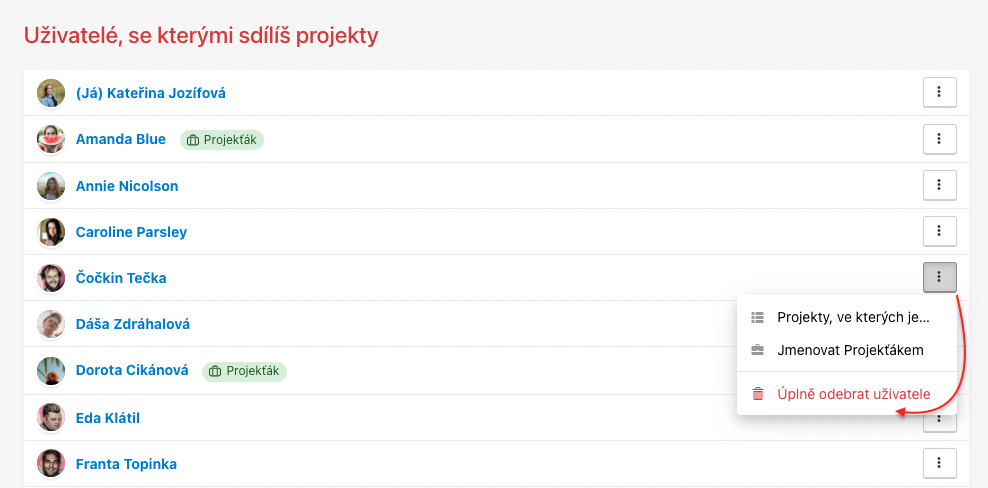 Odeber uživatele ze společných projektů přes možnost Úplně odebrat uživatele.